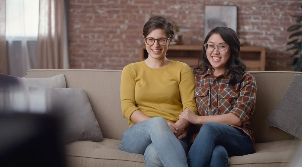 lesbisch stel in hallmark campagne