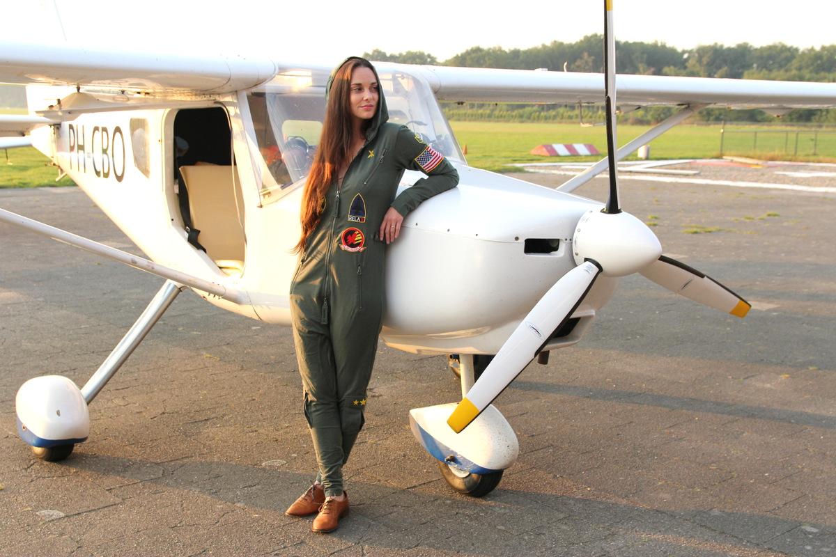 onepiece onesie vliegtuig piloot joyce
