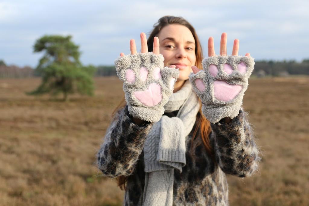 eBay aankopen handschoenen beren poten klauwen grappig