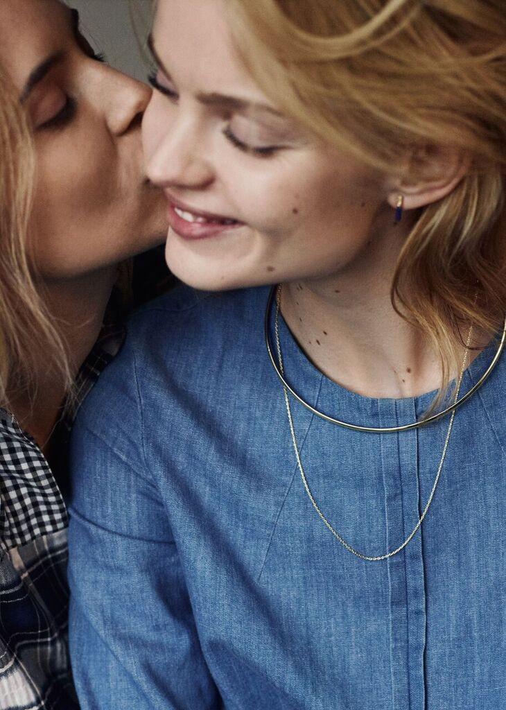 lesbische liefde bij & other stories amsterdam