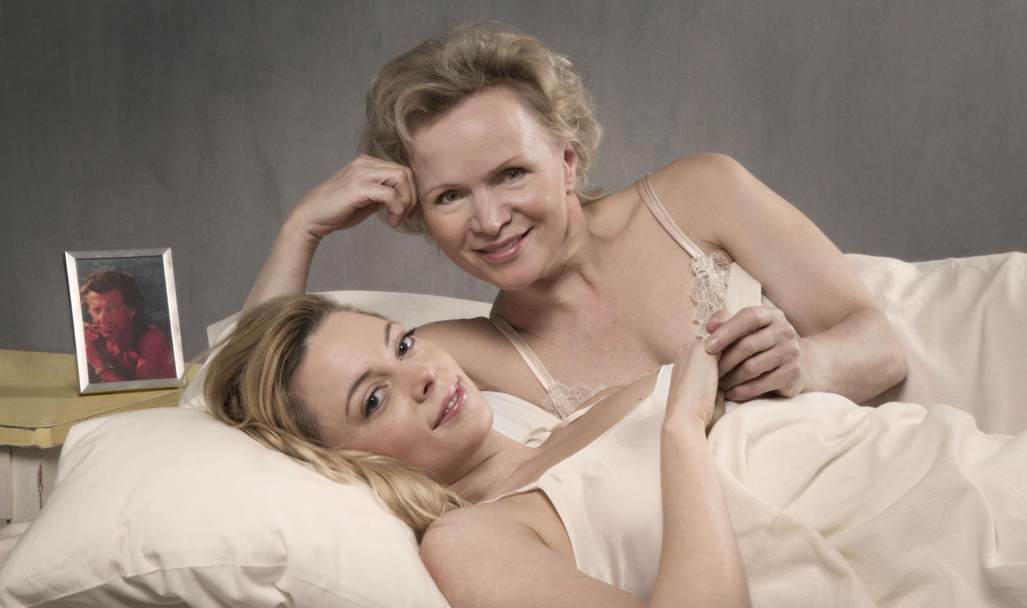 Twee Vrouwen: Lesbische relatie in het theater Harry Mulisch Renee Soutendijk chris tates