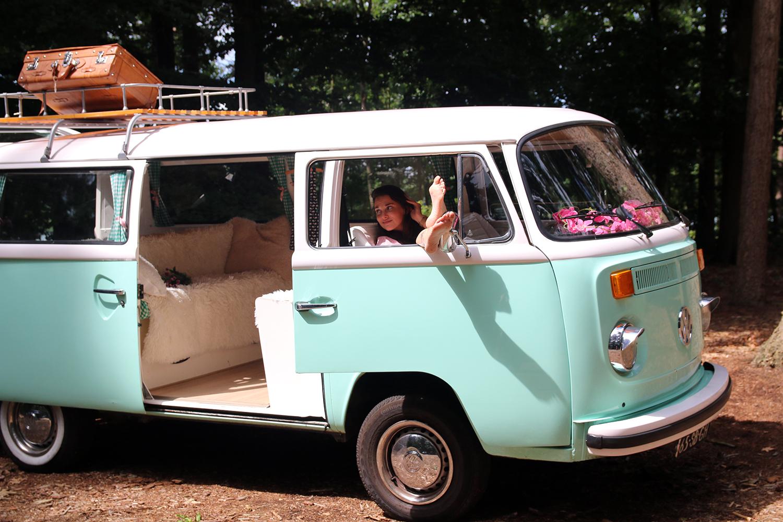 een vintage volkswagen bus huren ik vrouw van jou. Black Bedroom Furniture Sets. Home Design Ideas