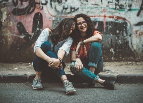 Nederlanders positiever over homo- en biseksualiteit