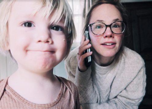 Het is weer tijd voor een nieuwe weekvlog! We wachten op een verlossend telefoontje en moeten starten met pillen. We gaan na lange tijd eindelijk weer eens op afspraak winkelen, we hebben een soort reünie en het is bijna zover...! We nemen jullie mee.